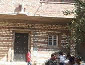 بالفيديو.. عودة إحدى الأسر القبطية المهجرة إلى كفر درويش ببنى سويف