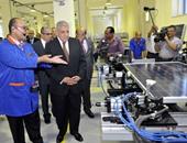 محلب يفتتح أكبر مصنع فى مصر لإنتاج الألواح الشمسية