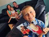 طفل فى الثامنة يطيل شعره عامين كاملين ليتبرع به لمرضى السرطان