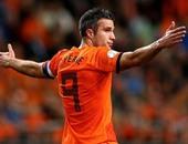 فان بيرسى يزين قائمة هولندا لأول مرة منذ 2015
