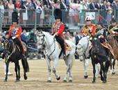 بالفيديو والصور.. احتفال اسطورى بعيد الملكة إليزابيث الـ90