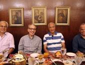 بالصور..السفير السعودى وأصدقاؤه المصريون يتناولون الإفطار بالحسين
