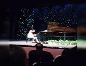 """بالفيديو.. حفيدة مبارك تعزف """"البيانو"""" بدار الأوبرا بمشاركة سوزان وجمال"""