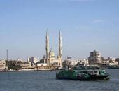 """""""مميش"""": 96 سفينة عبرت قناة السويس بحمولة 5.8 مليون طن خلال يومين"""