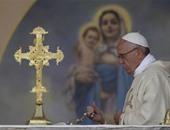 بالصور.. بابا الفاتيكان يصلى عند نصب لمذابح الأرمن بعدما وصفها بإبادة جماعية