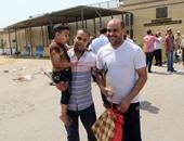 """بالصور.. خروج الغارمين من السجون بهتاف """"بنحبك يا أبو هشيمة"""""""