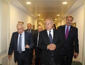 بالصور.. أحمد أبو الغيط يتفقد أروقة الجامعة العربية برفقة نبيل العربى