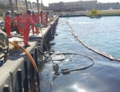 """""""البيئة"""" تشارك فى تنفيذ تجربة مكافحة التلوث البحري بالزیت """" مصر المحروسة ٧ """"عمليا"""