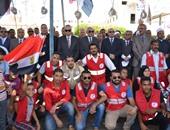 محافظ قنا يتقدم مسيرة الاحتفال بـ30 يونيو بميادين المحافظة