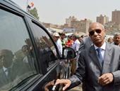 محافظ القاهرة يوافق على توفير أتوبيسات لنقل معلمى مدينة الأسمرات