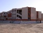 رئيس الفيوم الجديدة: تسليم مدرسة للتعليم الأساسى ومبنى الشهر العقارى بالحى الثانى