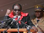 الرئيس الزيمبابوى يلتقى قادة الجيش اليوم غداة تظاهرات طالبت باستقالته