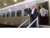 رئيس السكة الحديد يتفقد انتهاء أول قطار مصرى مكيف لتشغيله مع افتتاح القناة