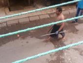 صحافة المواطن.. بلطجى يهشم أنف طالب وفكه فى أثناء خروجه من المدرسة بالدقى