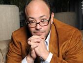المخرج عادل أديب باكيا على الهواء: أطالب الرئيس بالحفاظ على كرامة الفنان