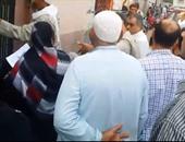 صحافة المواطن.. فيديو لإغلاق أبواب المستشفى الميرى بالمحلة فى وجه المرضى