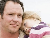 اسمعهم وكل معاهم.. لمسات بسيطة لتكون أب أفضل لأطفالك
