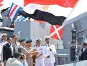 بالصور.. العلم المصرى يرفرف على الفرقاطة تحيا مصر