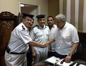 محلب يفاجئ قسم شرطة مصر القديمة ويوجه بحسن معاملة المواطنين