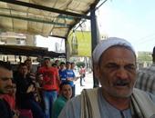 كفيف يمر أثناء تمثيل جريمة إستاد كفر الشيخ ويدعو على الإرهابيين