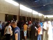 بالفيديو.. توافد آلاف الطلاب على جامعة القاهرة لسحب استمارات اختبارات القدرات