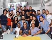 """بالصور: هيثم نبيل يحتفل بصدور البوم """"مرحلة جديدة"""" مع أصدقائه"""