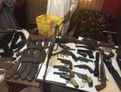 حبس سائق وحداد متهمين بحيازة أسلحة وتهريبها إلى سيناء