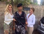 السجن شهرين لشرطى أردنى ترك عمله ليلتقط صور مع موظفات السفارة الروسية