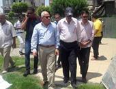 محافظ بورسعيد يشيد بدور العمال فى منظومة النظافة