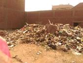 """بالصور.. القمامة تحاصر الأهالى بمنشأة البكارى بالتزامن مع حملة """"حلوة يا بلدى"""""""