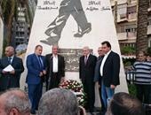 """""""صباحى""""يضع إكليل زهور على تمثال جمال عبد الناصر ببيروت"""