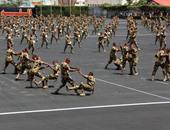 طلاب الكليات العسكرية يقدمون استعراضا تكتيكيا للحرب في حضور الرئيس السيسى