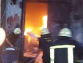 الحماية المدنية تدفع بـ 5 سيارات للسيطرة على حريق هائل فى مصنع بأكتوبر