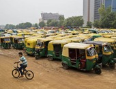 بالصور.. إضراب سائقى التوك توك فى الهند