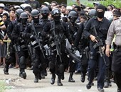 شرطة إندونيسيا تعتقل 92 شخصا لاتهامهم بأعمال نهب عقب تسونامى