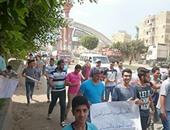 بالصور.. وقفة احتجاجية لأهالى ضحية الإهمال بكفر الشيخ