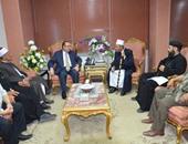 محافظ بنى سويف يبحث مع بيت العائلة آليات دعم الوحدة الوطنية