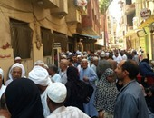 قارىء يشارك بفيديو يظهر طابورا بالأمتار لصرف المعاشات فى الإسكندرية