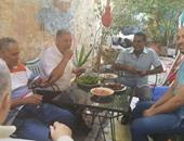 """عيد الفطر باليونان """"تهانى ورحلات"""" وفطار """"فول وطعمية"""""""