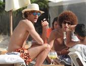 بالصور.. فيلاينى يدخن السيجار على البحر.. فماذا سيفعل مورينيو؟