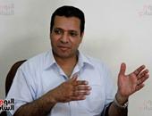 ابن الشيخ عبد الباسط عبد الصمد يقرأ سورة الضحى على طريقة والده.. فيديو