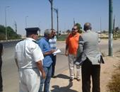 محافظ البحر الأحمر يتفقد أعمال تطوير شارع المطار والممشى السياحى