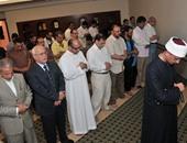وزير الثقافة السعودى وقطان يصليان الجمعة بمسجد السفارة السعودية بالقاهرة