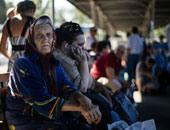 عودة 300 من المهجرين السوريين إلى قراهم بريف دير الزور عبر ممر الصالحية