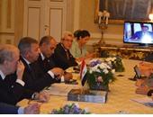 سفير مصر بروما يروج للاستثمار بقناة السويس فى مؤتمر صحفى