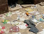 صحافة المواطن.. انتشار القمامة فى ساحة انتظار المواطنين بمحكمة المنصورة