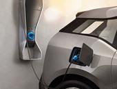 شركة سيارات صينية تطلق أول سيارة كهربائية مع بدء تسليم سيارات تسلا