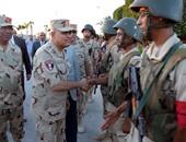 صور جولة وزير الدفاع فى سيناء لرفع الروح المعنوية لجنود الجيش والشرطة
