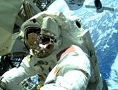 عودة طاقم الربان الثلاثة إلى الأرض على متن مركبة الفضاء الروسية