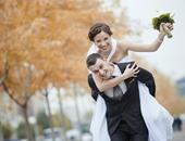 جواز الحب ولا الصالونات.. الدراسات تؤيد التقليدى والشباب يختار جواز السفر